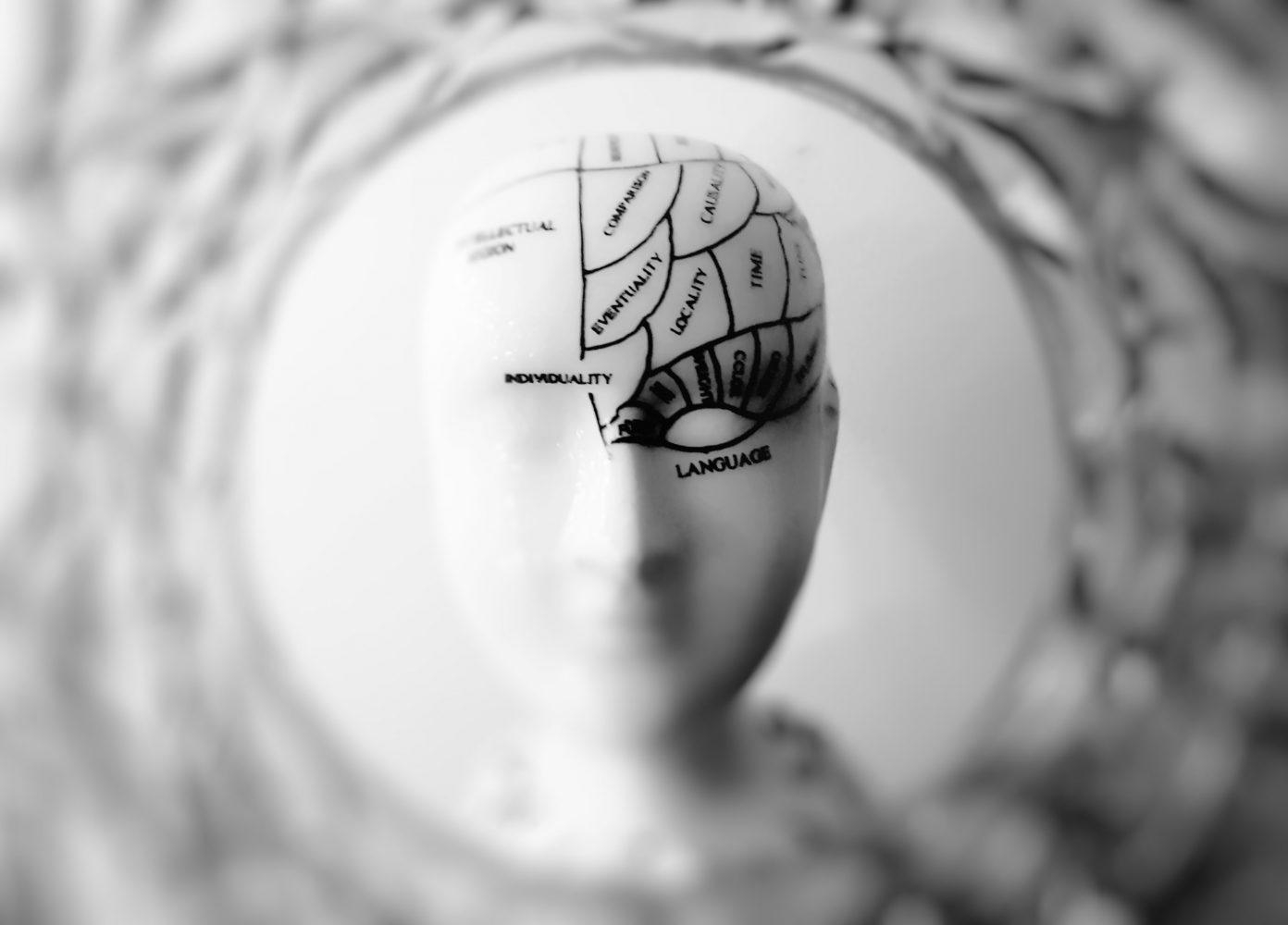 Mentaalivalmennus kehittää mm. kognitiivisia taitoja ja minuutta. Kuva: Pexels.
